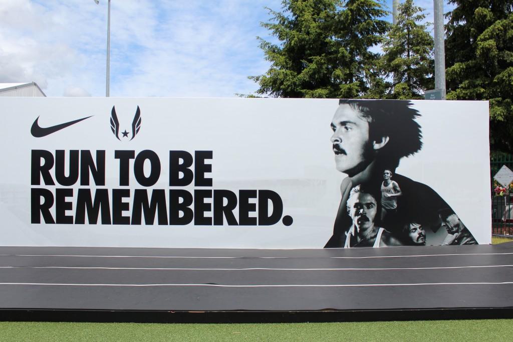 2012년 런던 올림픽을 앞두고, 미국 오레곤 주 유진에서 열린 'U.S. OLYMPIC TEAM TRIALS '에서 나이키가 선보였던 옥외광고.