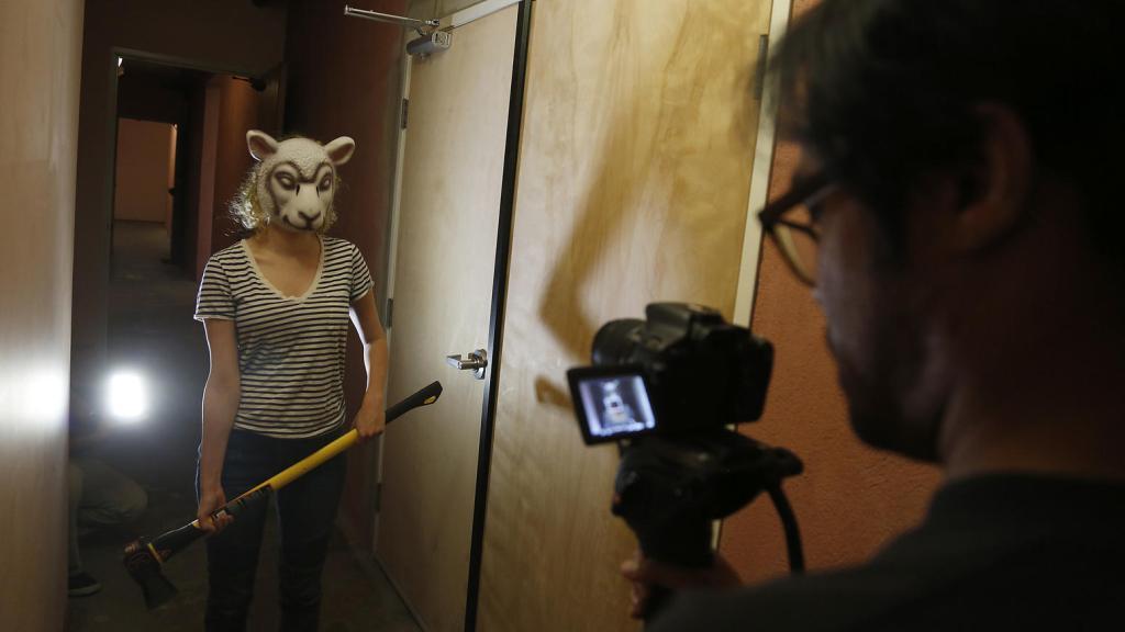 사진 출처 : Los Angeles Times http://www.latimes.com/business/la-fi-buzzfeed-studios-20150809-story.html